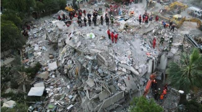 Can kaybı giderek artıyor, Vali soyguna karşı uyardı: İzmir Depremi